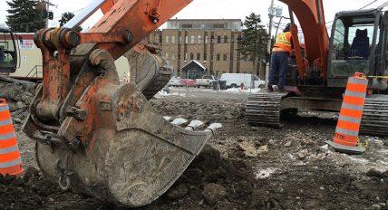 Excavation profonde, en espace restreint, industrielle ou commerciale